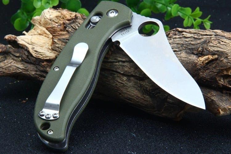 Handling A Folding Knife