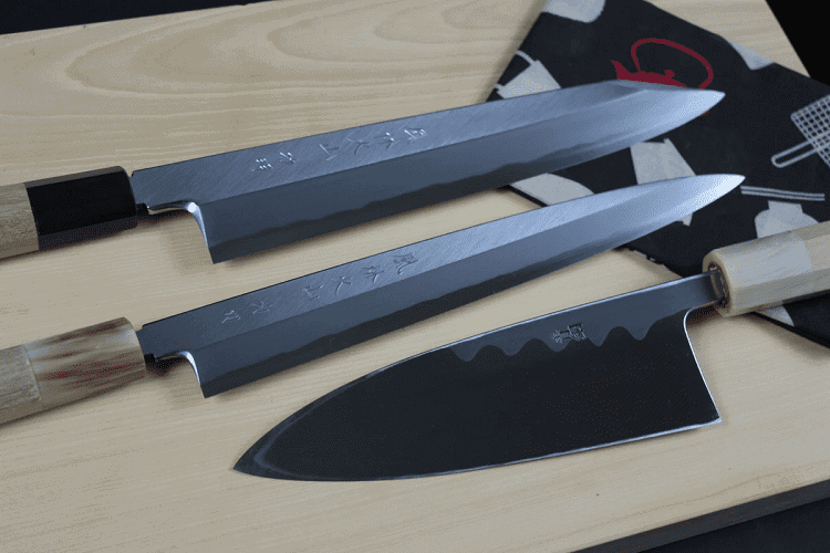 Knives With Carbon Steel Blade