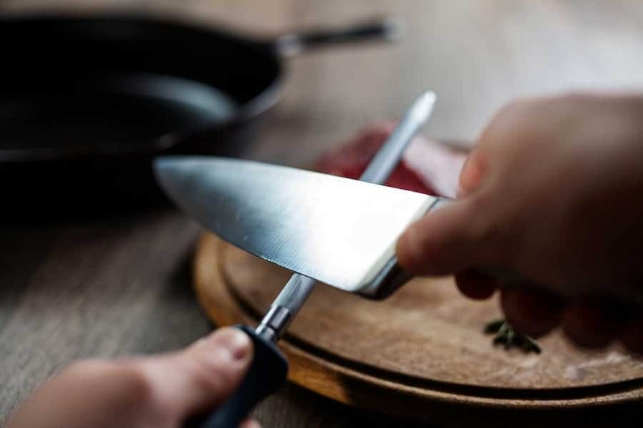 8 Ways To Tell If A Knife Is Sharp