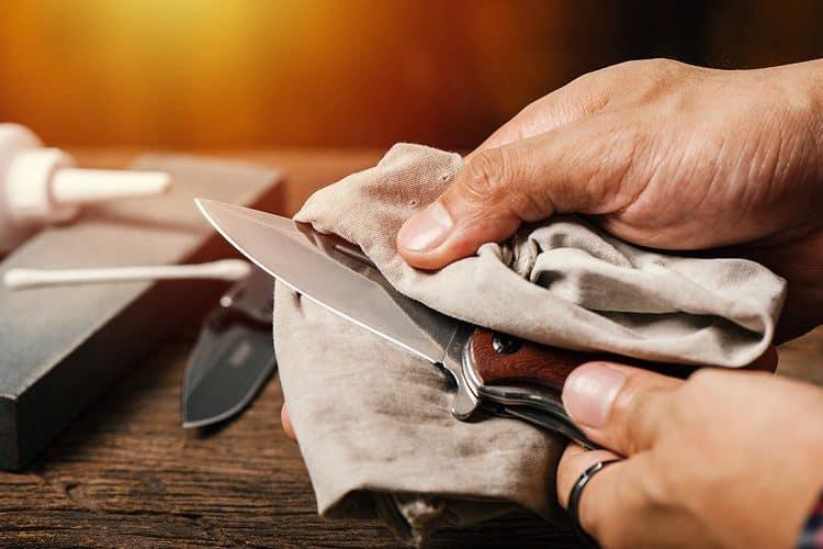 pocket knife sanitizing
